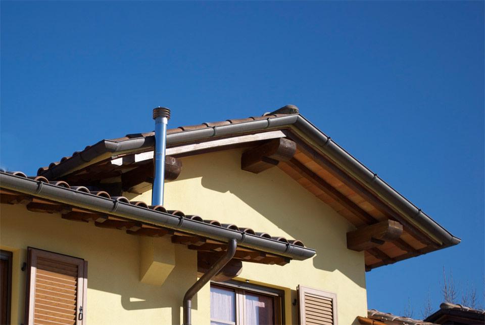 Particolare del tetto in legno