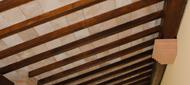Travi in legno del porticato